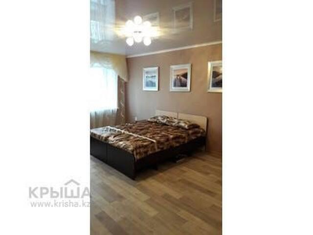 Квартиры посуточно, почасово - Ust'-Kamenogorsk - Apartment