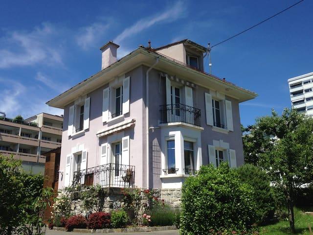 Chambre dans maison de charme à Lausanne