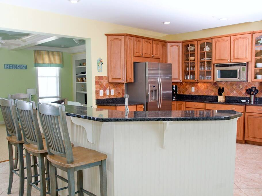 Sunset Island 14 Shore Point Dr. - Gourmet Kitchen