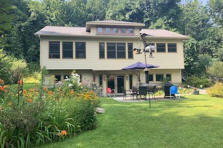 Cool country home, Linda's Studio