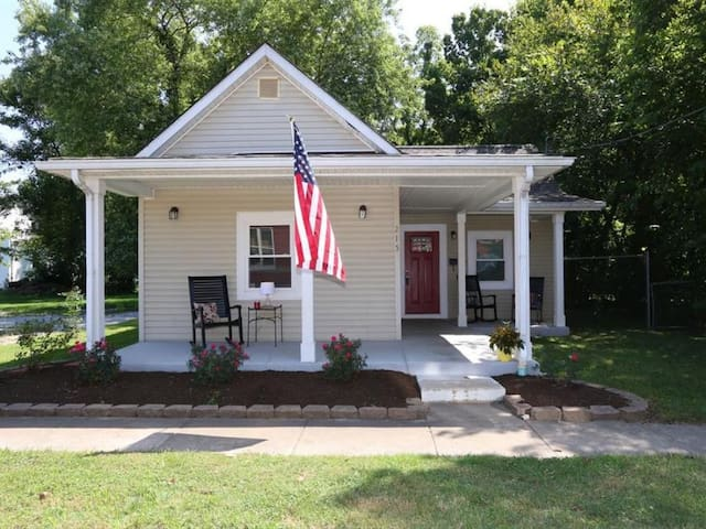 3 Bedroom house in Historic Downtown Loveland