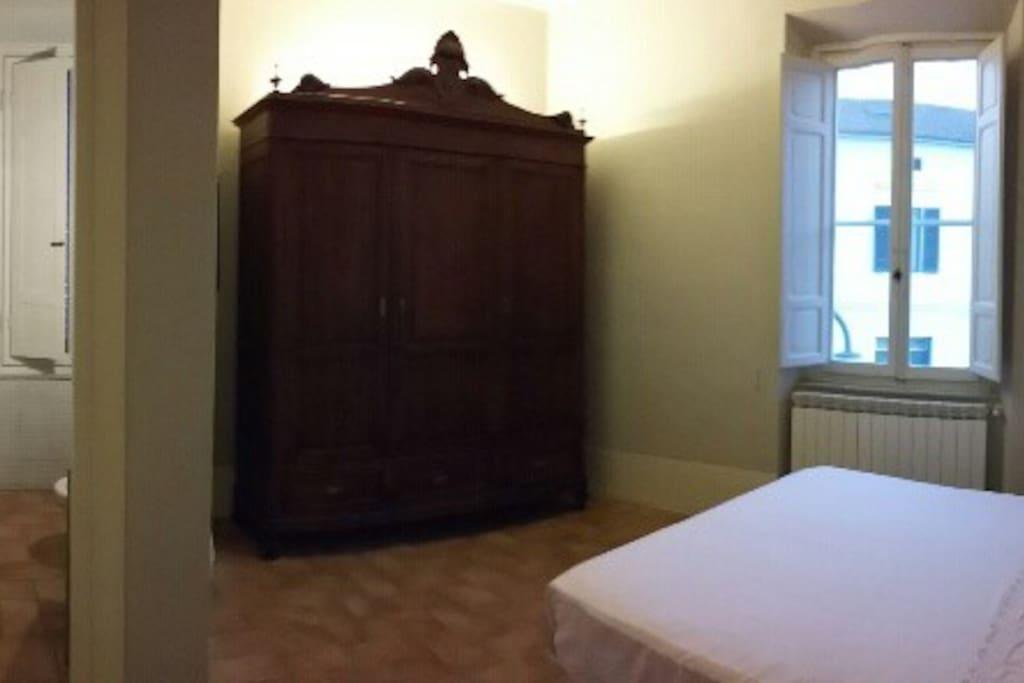 camera privata con bagno residenza elegante apartments for rent in borgo a buggiano toscana. Black Bedroom Furniture Sets. Home Design Ideas