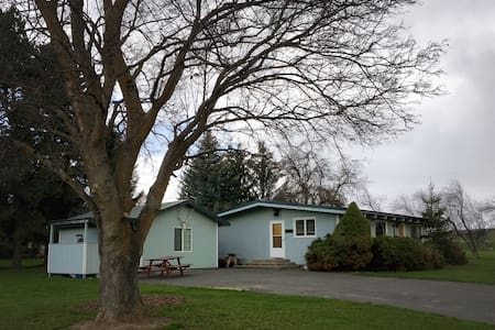 Grass Valley Guest House