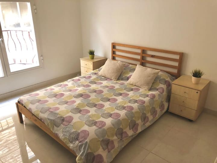 Spacious & Cozy Apartment in Salwa