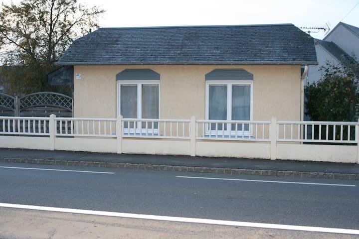 La Doris MAISON BORD DE MER - Saint-Pair-sur-Mer - Rumah