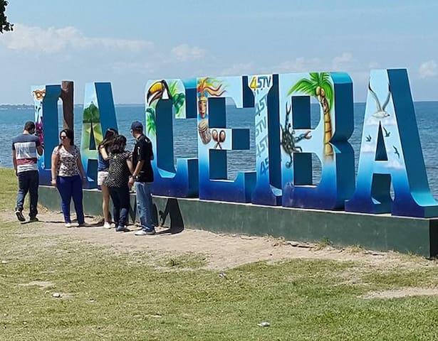 Alojamiento cerca del paseo marítimo - La Ceiba - Huis