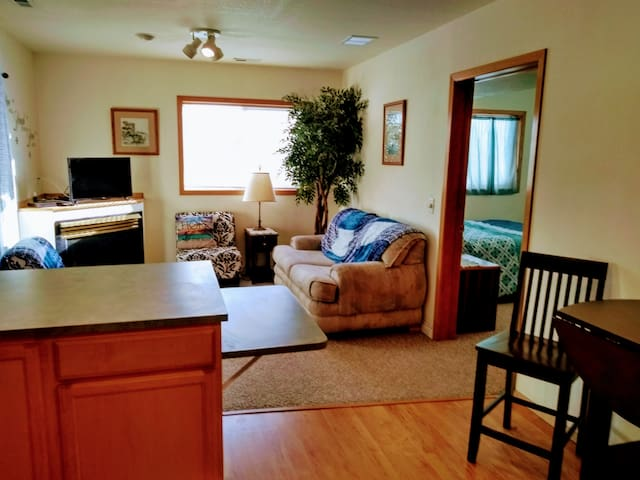 (Apartment)Cozy spot by Silverwood & Coeur d'Alene