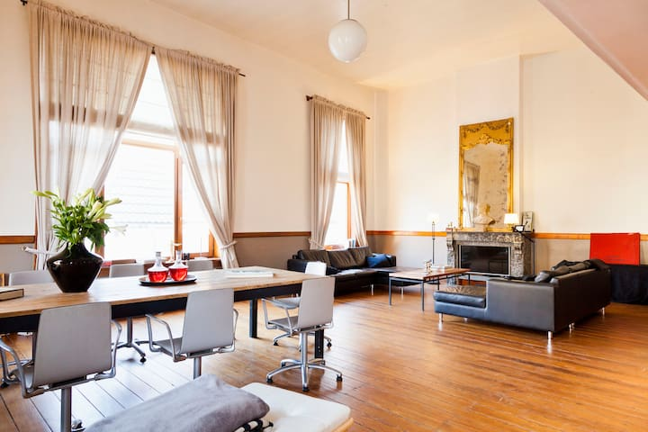 Unique apartment in heart of Antw. - Antwerpen - Appartement