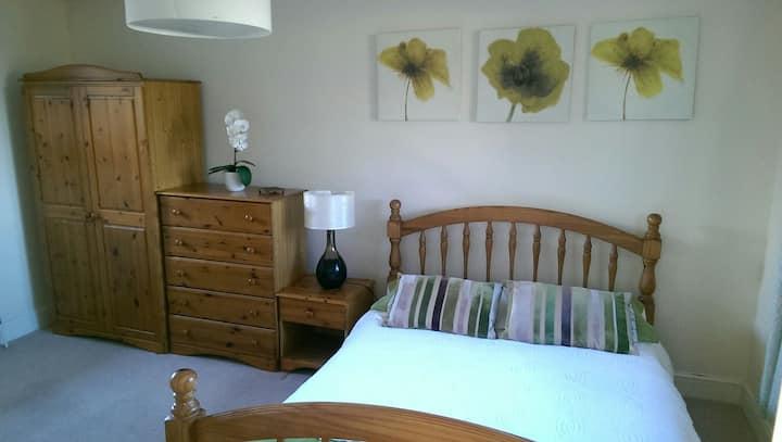 Spacious room close to centre