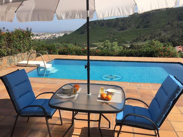 La casita de la piscina