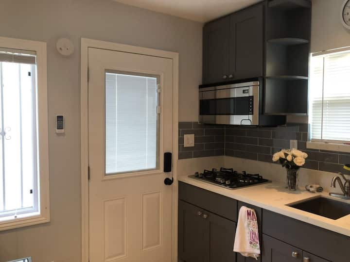 Cozy 1 bedroom in the heart of city Alhambra