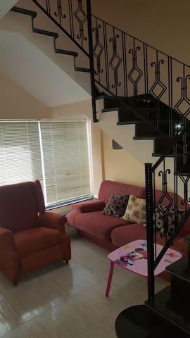 Monzon 2 habitaciones comodas.