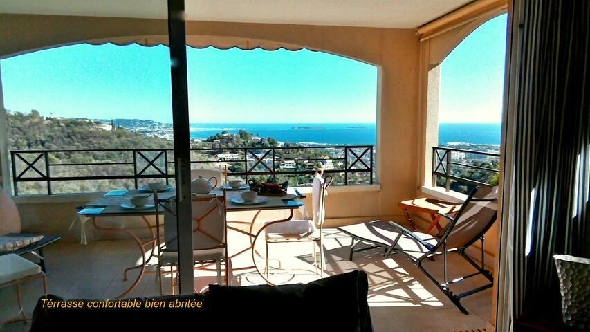 3P vue mer superbe terrasse garage proche Cannes