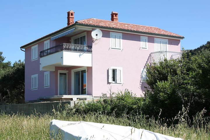 Room with balcony and sea view Barbat, Rab (S-5068-a)