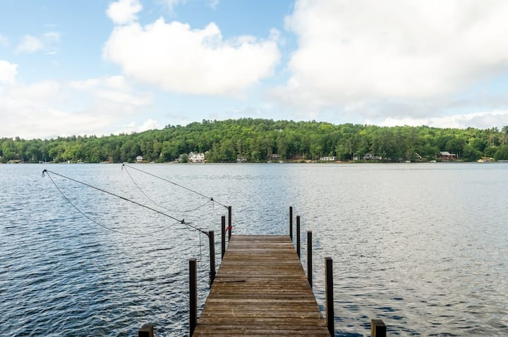 Charming Lakefront Chalet with Sandy Beach, Private Dock and Fire Pit