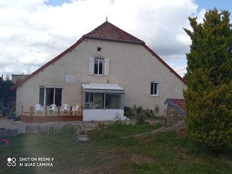 Maison 10 pers. village vigneron Buvilly Jura
