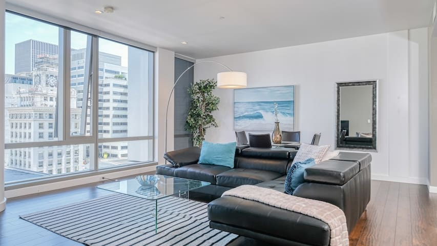 Downtown Lux Apartments 1BD 5 F
