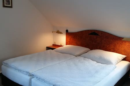 Pension Am Tharandter Wald - Tharandt - Guesthouse - 1
