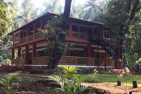 The Verandah @ Dragonfly Cottage
