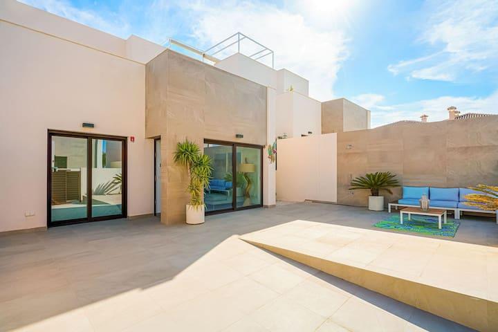 Charmante Villa à Rojales avec Piscine