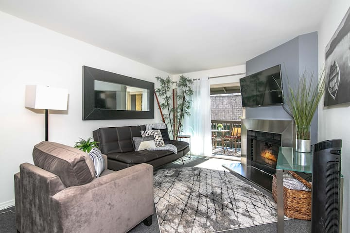 Cozy 2 Bedroom  Condo in San Diego
