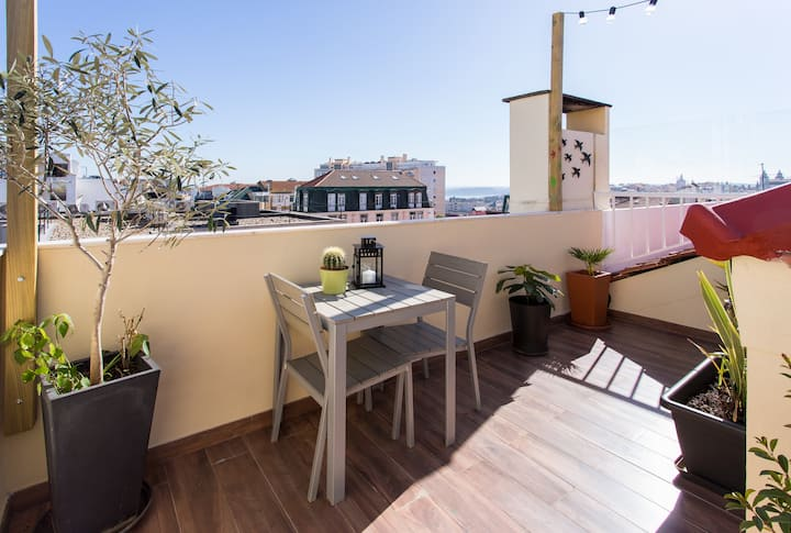 LV Premier Amoreiras AM2- terrace, view, AC