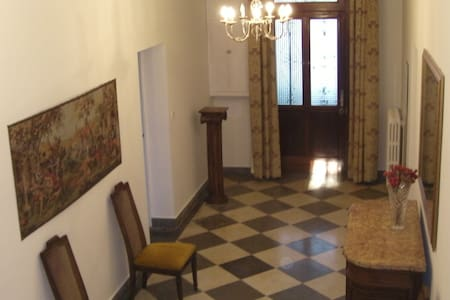 Country house with pool,cinema room for 20 persons - Corbarieu - House - 2