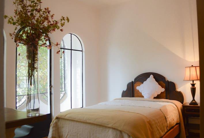 bella condesa,amazing house,private room - Ciudad de México - House
