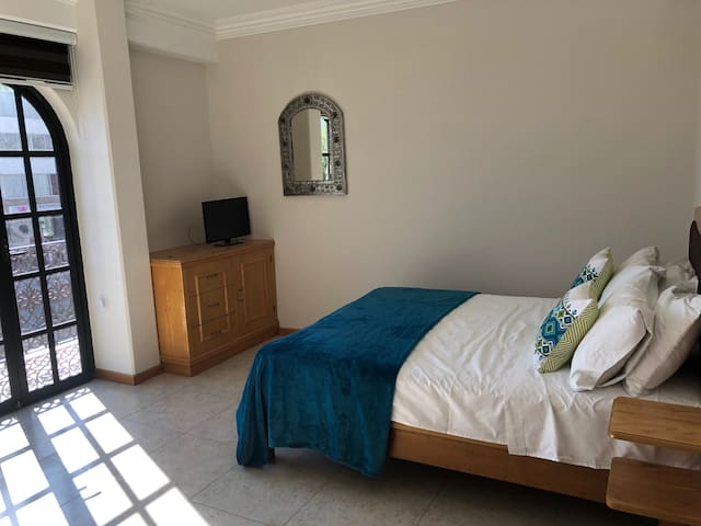 Suites con vistas a la la av Juárez