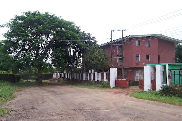Mezuville Holiday Resort - Owerri - Villa