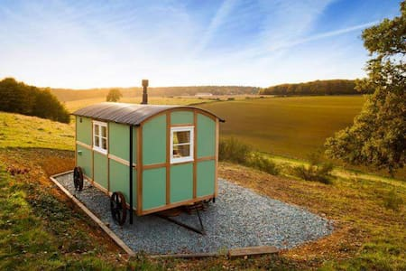 Wild Valley retreat shepherds hut - Elham - Хижина