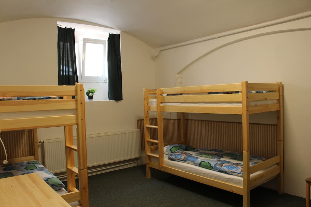 Room size 240 sq ft