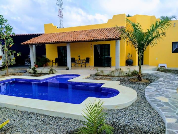 Santana pool house