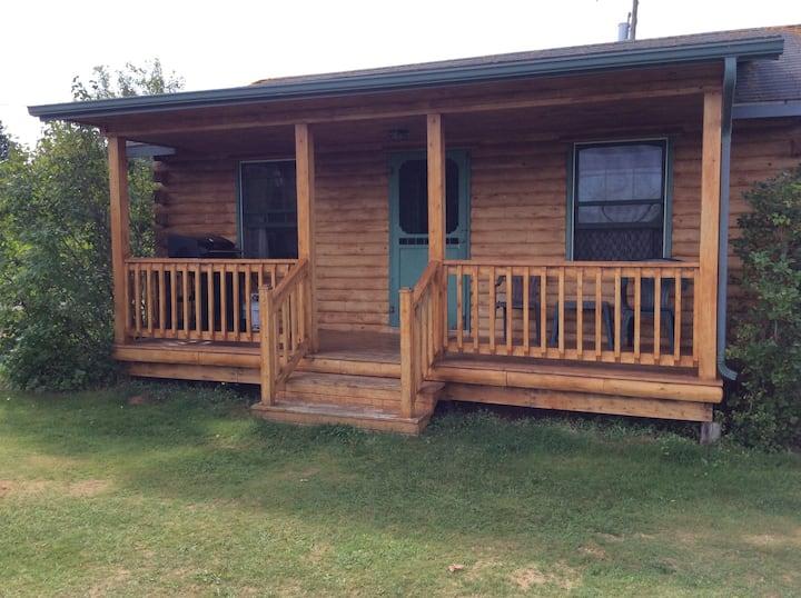 CNG Country Cabins Cedar Log Cabin #14