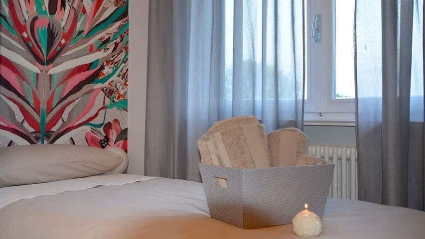 FUOCO Single room/bathroom in B&B L'ESSENZIALE