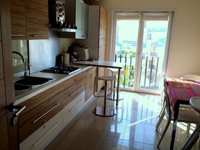 Spacious apartment in Cosmopolis - บูคาเรสต์