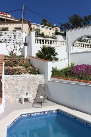 Maison avec piscine privée et magnifique vue mer