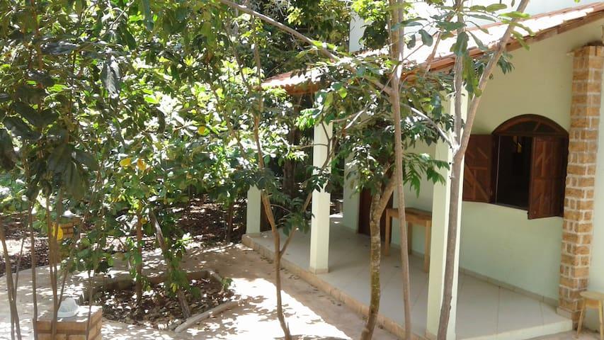 Casa espaçosa próximo ao Ribeirão do Meio