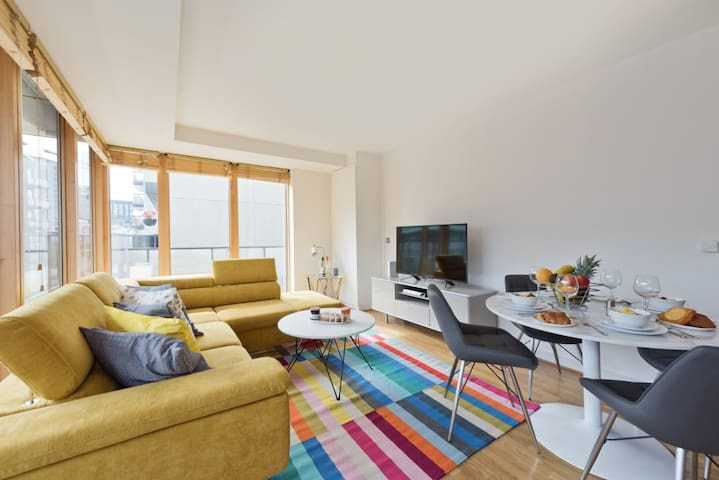 Luxury 1 BR Apartment Grand Canal Docks