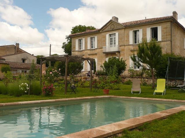 Entre St Emilion et Bordeaux - Saint-Germain-du-Puch - Bed & Breakfast