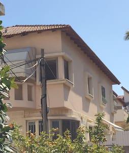villa in Rishon Le Tsiyon - Rishon LeTsiyon