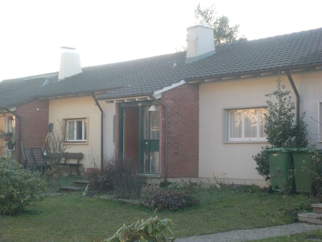 4.5 rooms - House - near Basel Fair / Messe Basel - Arlesheim - Talo