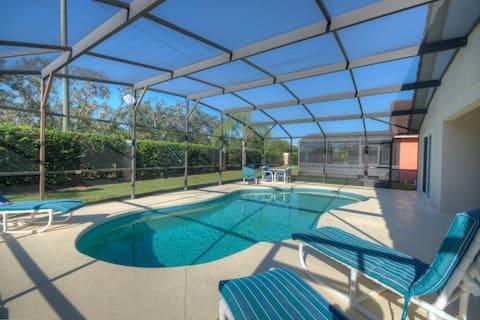 165 ROBIN RD · Sunnyside Villa Near Disney Private Pool 8 guests