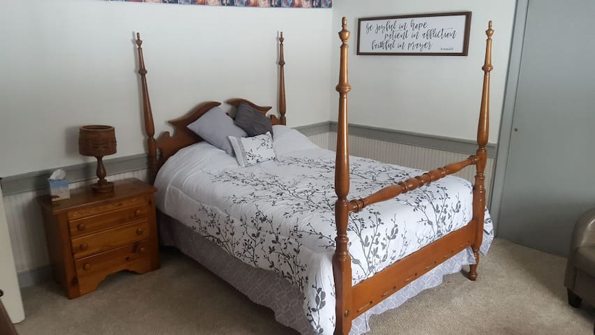 Holly Heritage/Good, extended stays welcome