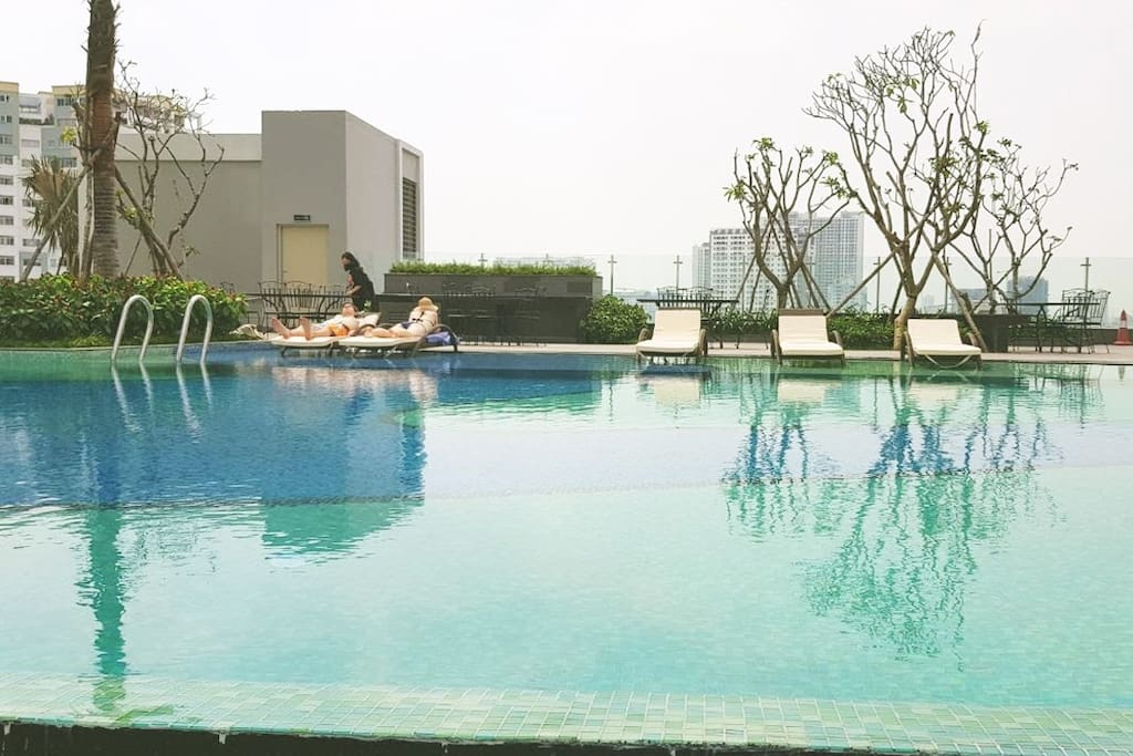 Swimming pool to relax after a long flight and enjoy the Saigon central sun :)