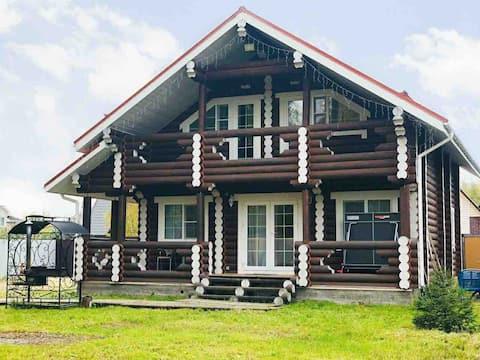 Двухэтажный дом (до 10 человек) рядом с сыроварней