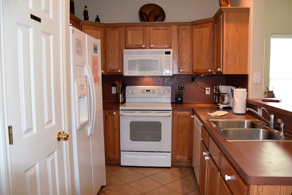 9th St Town House #303-Kitchen