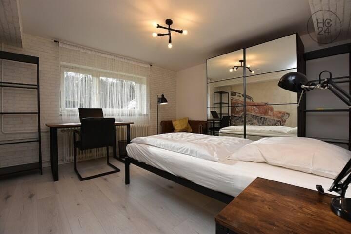 """Werkstatt"" Zimmer cooles Ambiente in Top Lage"
