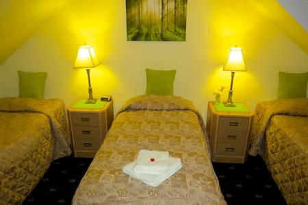 Triple Room - Galashiels - Bed & Breakfast