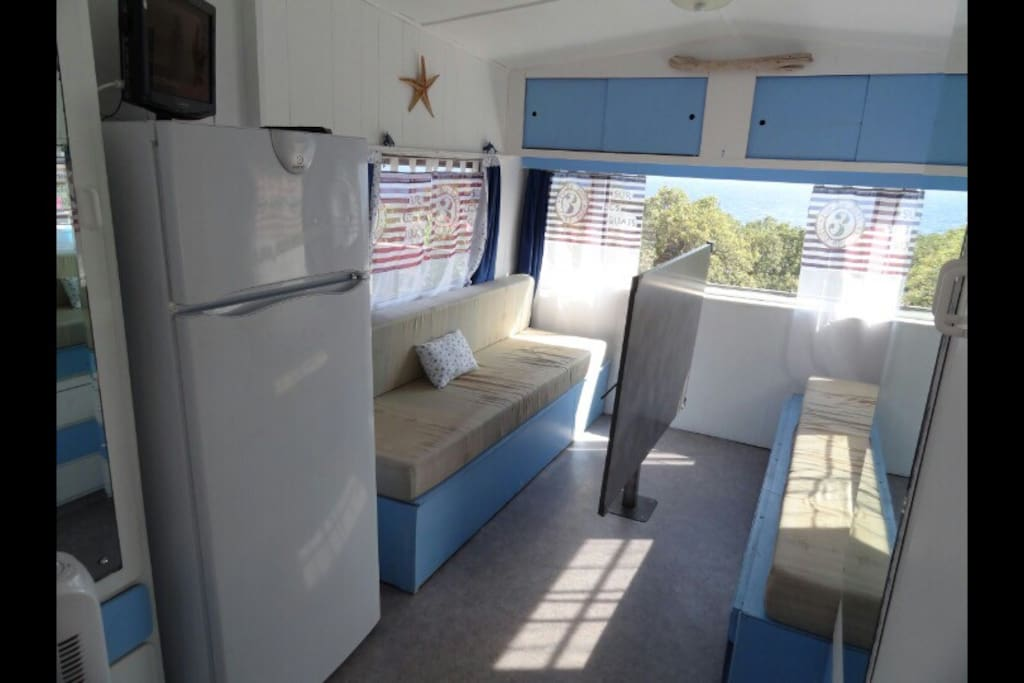 Caravane 109 id alement situ e camping cars caravanes - Location camping car salon de provence ...